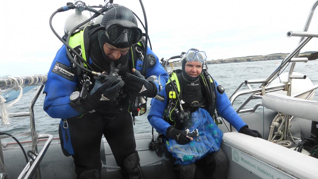Équipe de scientifiques prête pour une plongée scientifique © MNHN - René Derrien