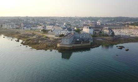 Vue aérienne de la Station marine de Concarneau © MNHN - Stéphane Formosa